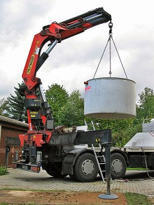 Crane lifting Septic